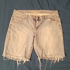 US 12 | Old Navy Sweatheart Cut-Off Jeans